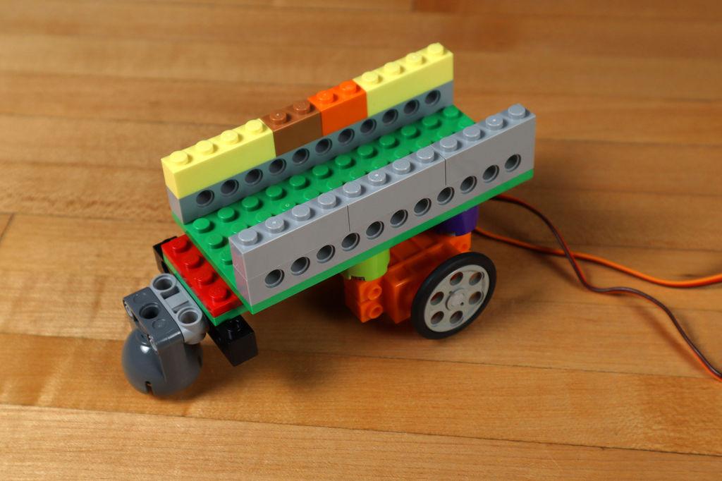Робот из LEGO и Arduino, обходящий препятствия - 15