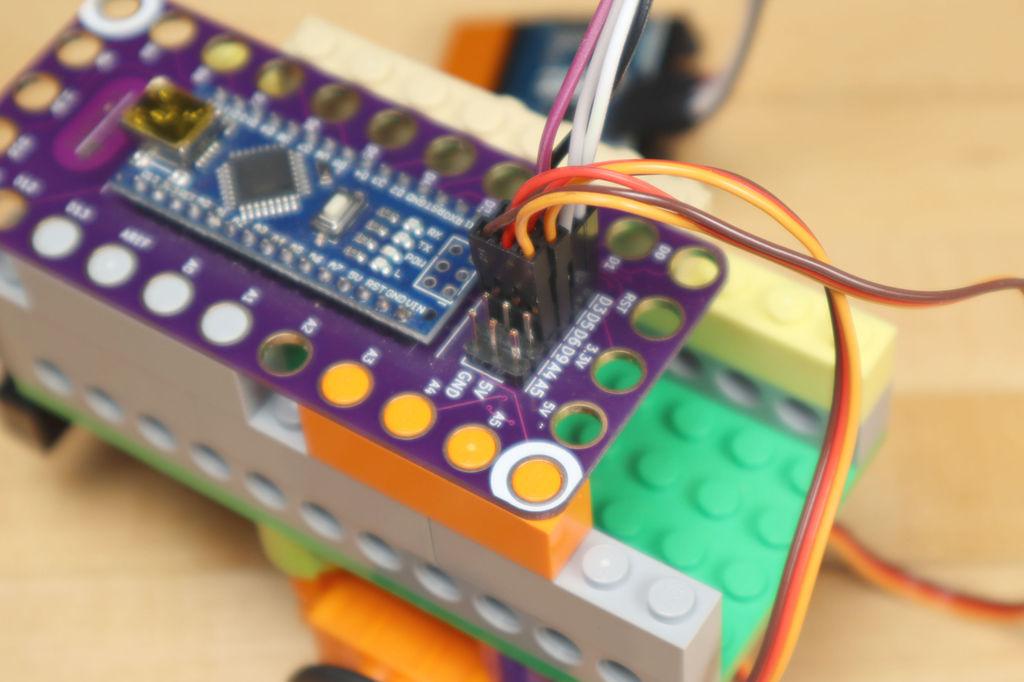 Робот из LEGO и Arduino, обходящий препятствия - 21