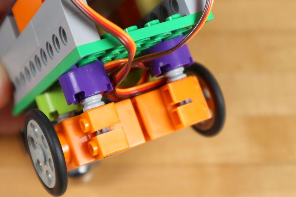 Робот из LEGO и Arduino, обходящий препятствия - 22