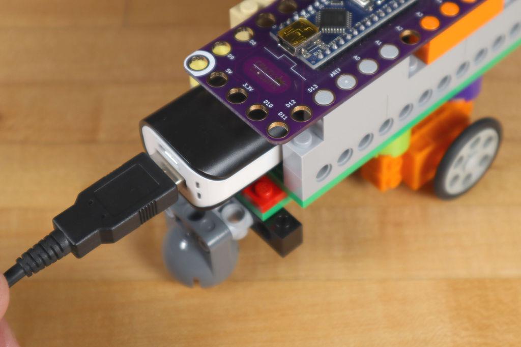 Робот из LEGO и Arduino, обходящий препятствия - 24