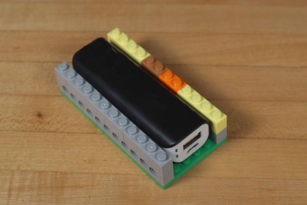 Робот из LEGO и Arduino, обходящий препятствия - 4
