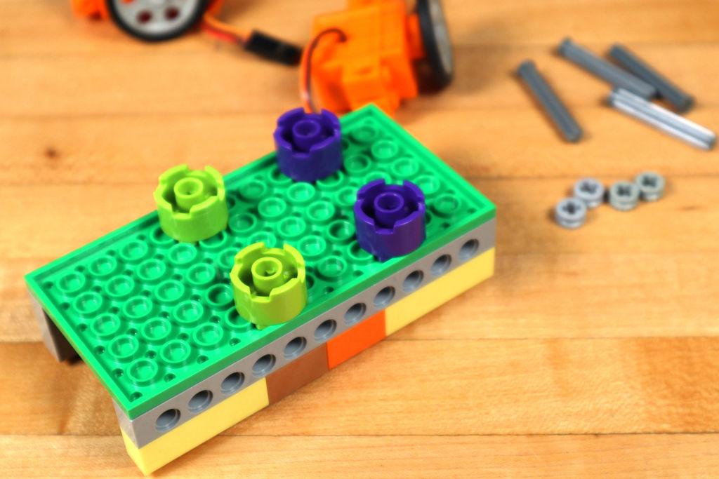Робот из LEGO и Arduino, обходящий препятствия - 6