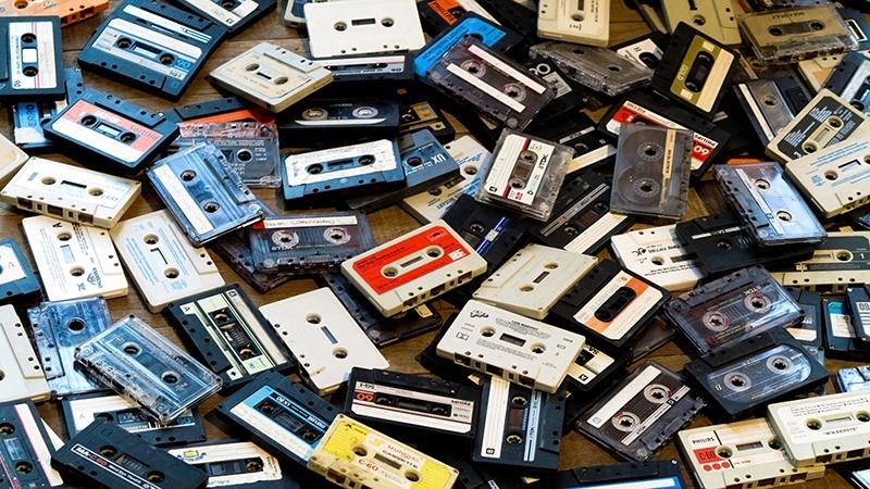 Технодекаденты как продукт бенефициаров копирайта: воскрес не только винил, на очереди компакт-кассеты - 1