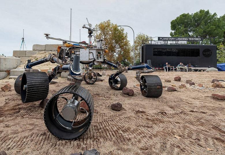 11 млн имён землян отправились на Марс. Марсоход Perseverance начал свой путь к Красной планете
