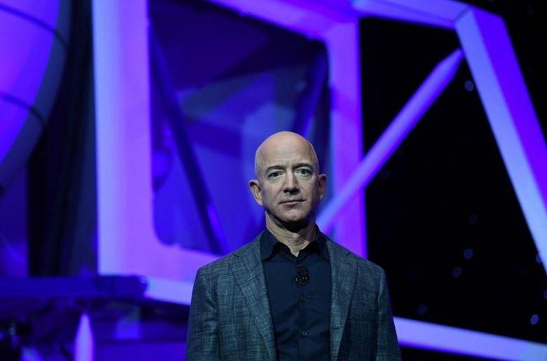 Самый богатый человек в мире продал акции Amazon на сумму 3,1 миллиарда долларов
