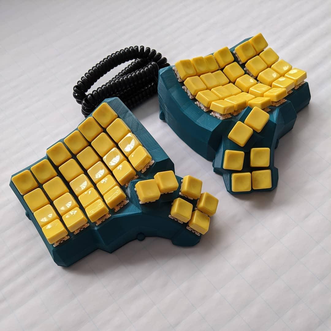 Ортолинейная сплит клавиатура — это что такое? Обзор Iris Keyboard - 14
