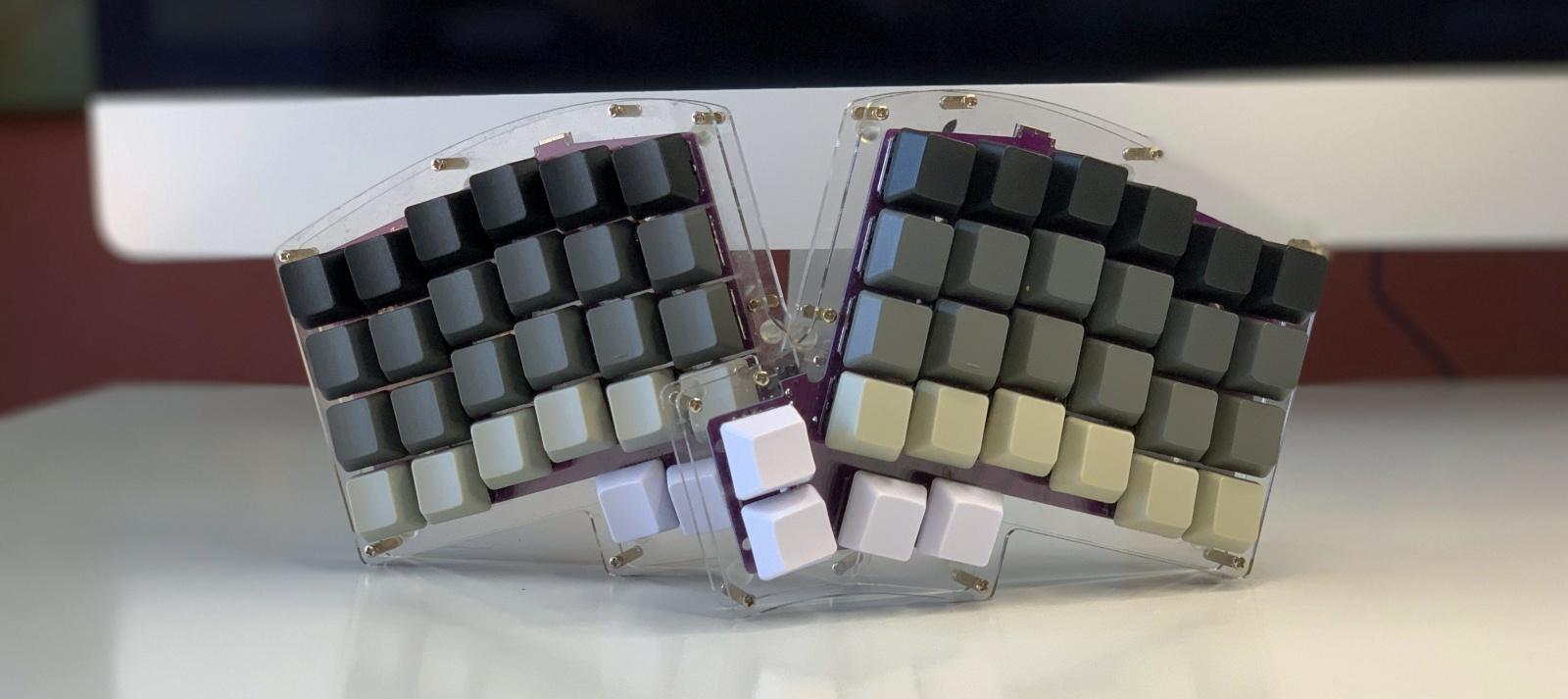 Ортолинейная сплит клавиатура — это что такое? Обзор Iris Keyboard - 15