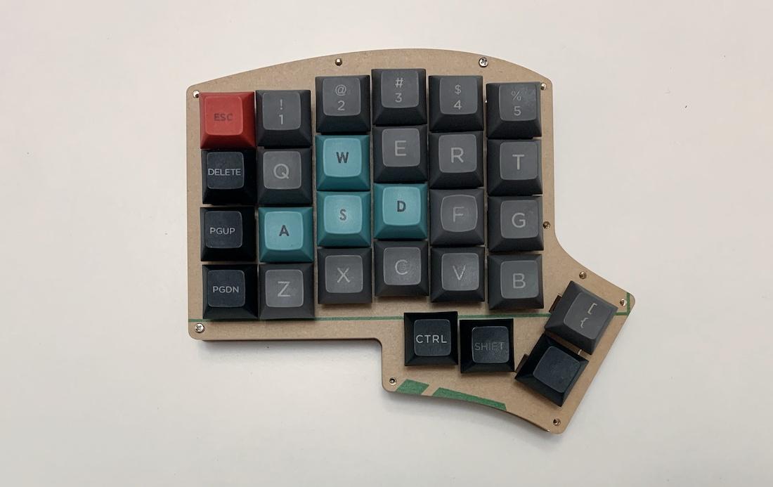 Ортолинейная сплит клавиатура — это что такое? Обзор Iris Keyboard - 20