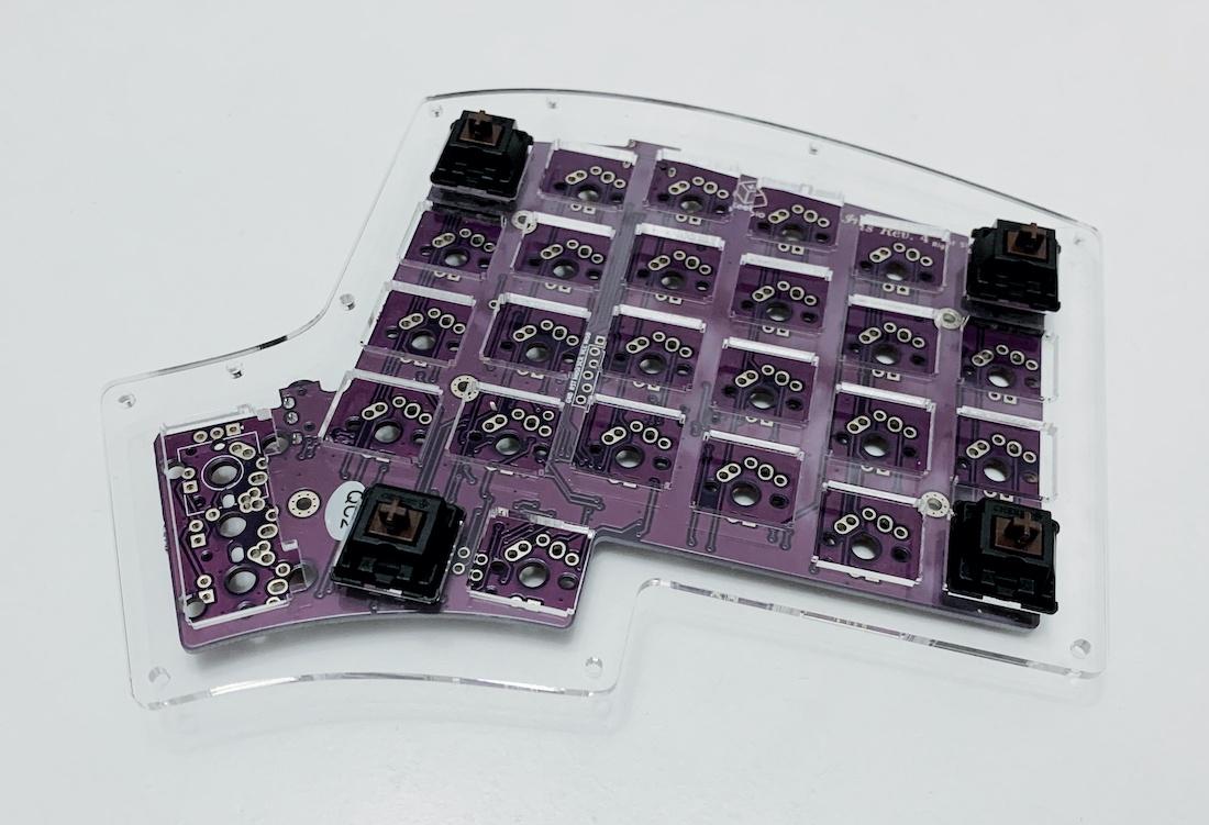 Ортолинейная сплит клавиатура — это что такое? Обзор Iris Keyboard - 22