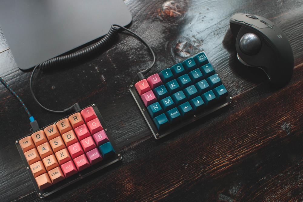 Ортолинейная сплит клавиатура — это что такое? Обзор Iris Keyboard - 6