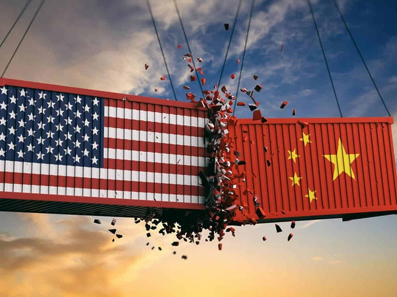 Huawei лидирует на рынке смартфонов уже полгода несмотря на санкции США