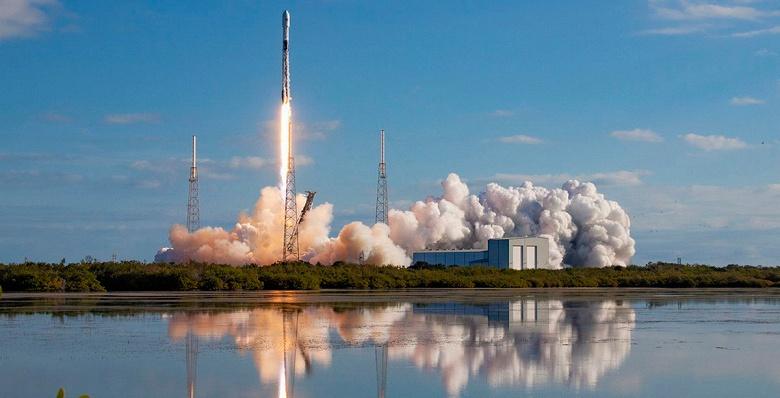 Роскосмос намерен создать многоразовую ракету «Союз-СПГ», которая будет лучше, чем SpaceX Falcon 9
