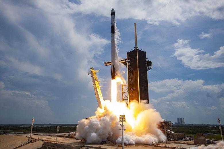 SpaceX рассказала о своем «курорте-космопорте 21 века»