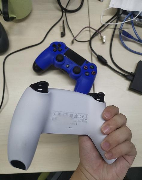 Геймпад DualSense для PlayStation 5 на живых фото