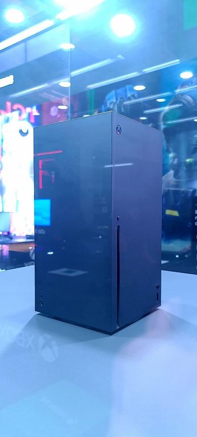 Настоящую Xbox Series X продемонстрировали вживую на публике. Фото прилагаются