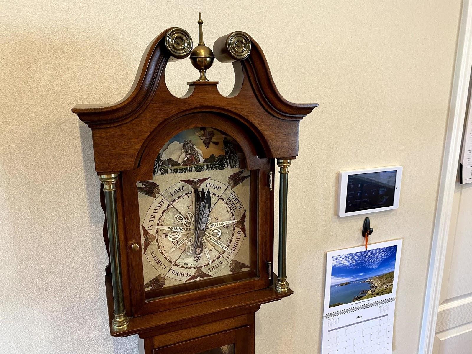 Проект «часов Уизли» с демонстрацией местоположения членов семьи - 1
