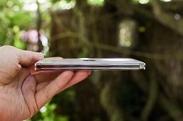 Как устроен внутри один из самых необычных смартфонов 2020 года. Microsoft показала внутренности Surface Duo