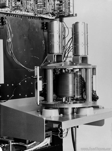 Алан Тьюринг, отец современного компьютера - 101