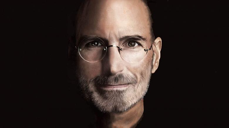 Тим Кук сменил Стива Джобса на посту лидера Apple девять лет назад