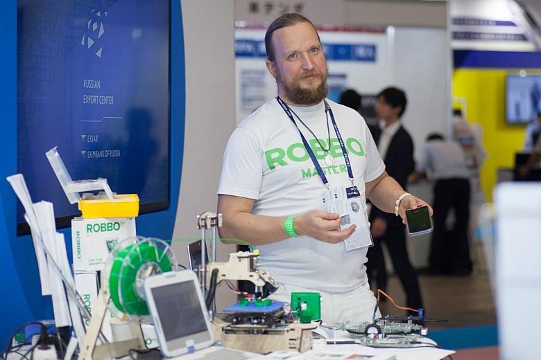 С чего начать учить ребенка робототехнике: интервью с создателем «РОББО Клубов» - 1