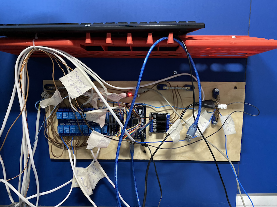 Железо проекта: как мы строили комнату с хакерским квестом - 3