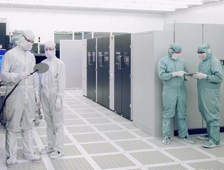 Китай инвестирует $1,4 трлн долларов и переманивает ключевых инженеров TSMC, стремясь обогнать США в производстве чипов - 3