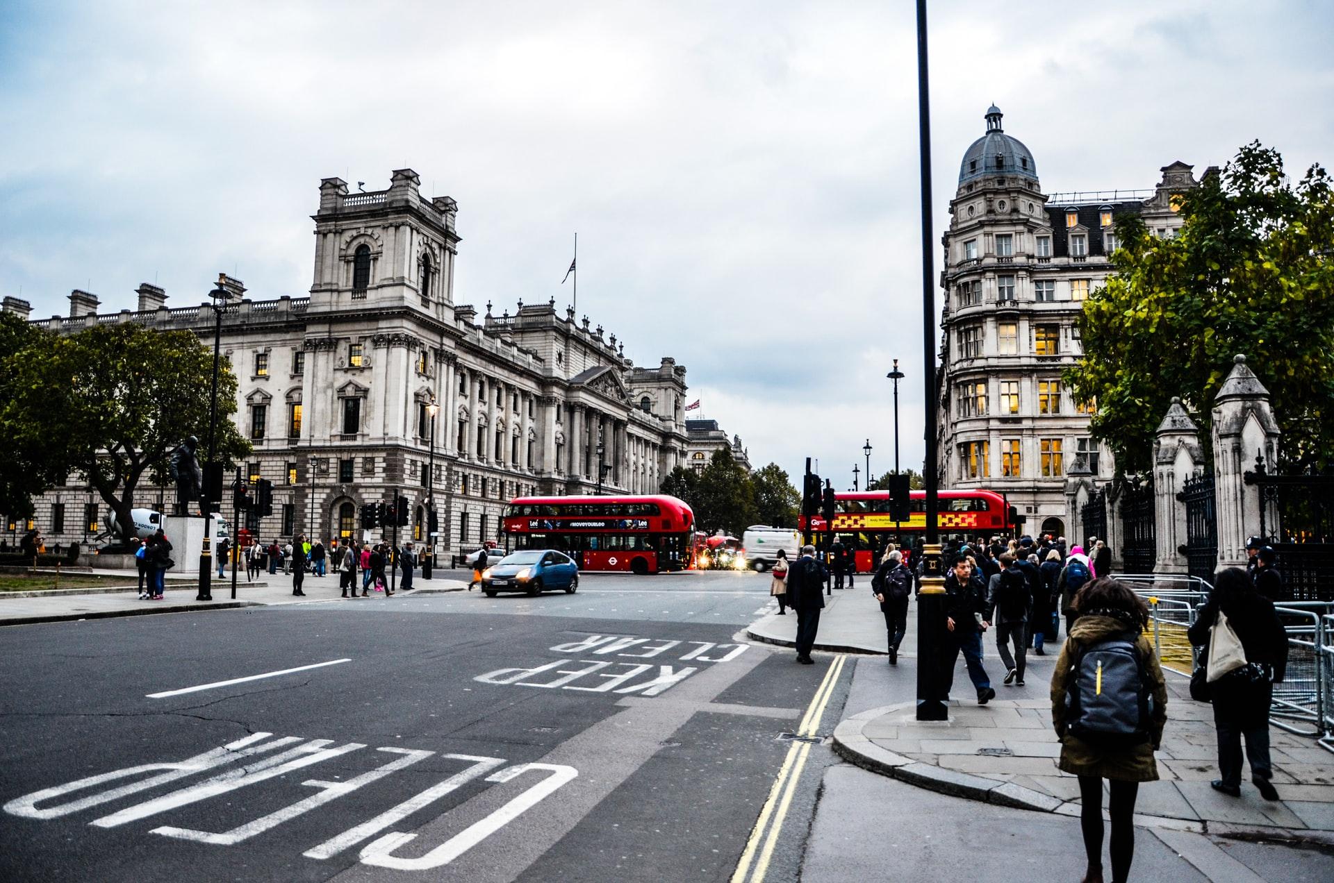 Переезд инженера в Великобританию: IT-сфера, рабочая виза, налоги - 1