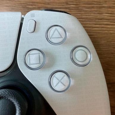 Первые фотографии разобранного «революционного» контроллера DualSense консоли PlayStation 5