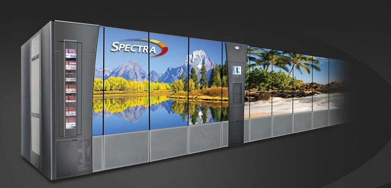 Компания Spectra Logic представила первую в отрасли ленточную библиотеку, способную хранить эксабайт несжатых данных с использованием технологии LTO-9
