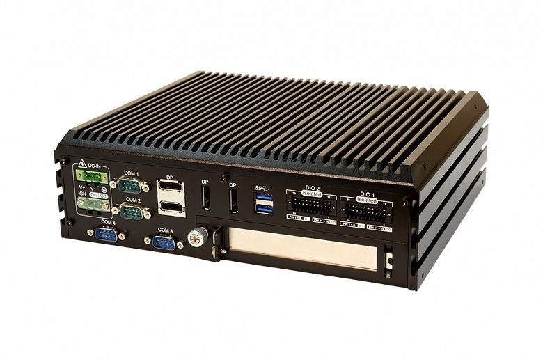 Мини-ПК с пассивным охлаждением Stealth LPC-950 оснащен видеокартой и поддерживает до семи мониторов