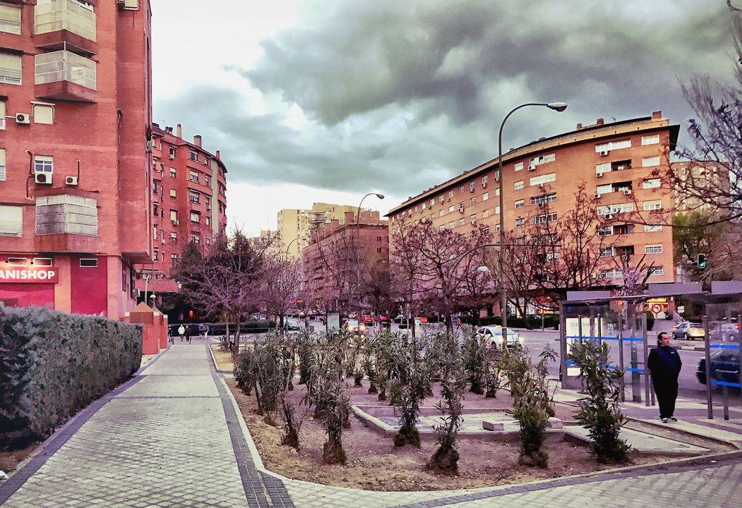 Район Vinateros, рядом с кольцевой трассой М-30 (аналог московского ТТК)