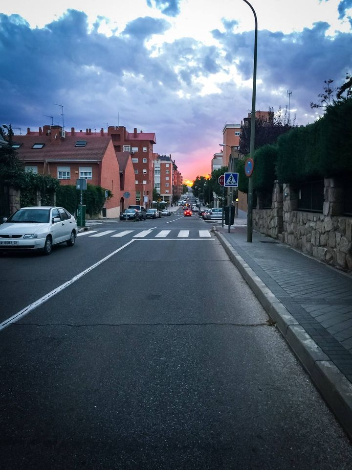 Район Tres Olivos на севере Мадрида. Очень тихий, спокойный и приятный район в 15 минутах от Центра