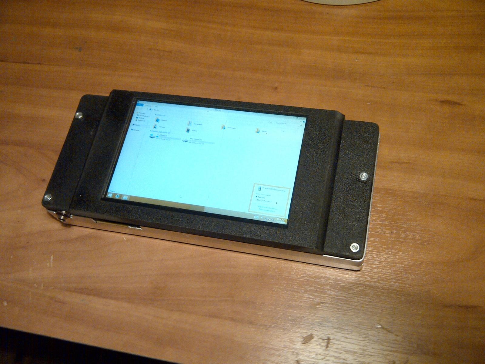 Сборка очень компактного планшетного ПК на базе Core i7 - 6