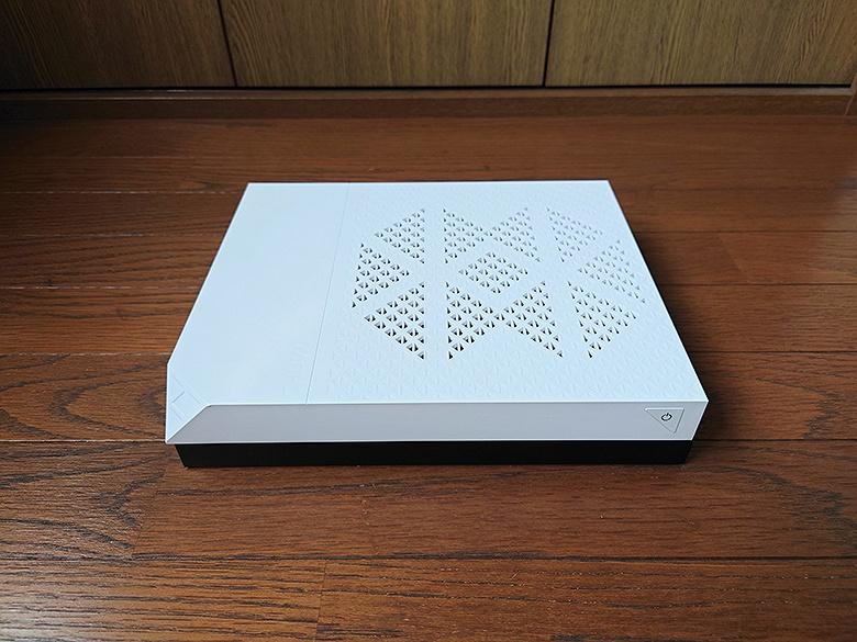 Тест «консоли Xbox One», превращённой в ПК. На что способен Chuwi AeroBox с APU A9-9820