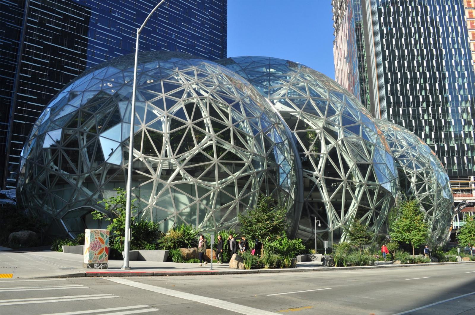 Amazon решил продлить удаленную работу для сотрудников еще на 6 месяцев. Центр Сиэтла в шоке - 1