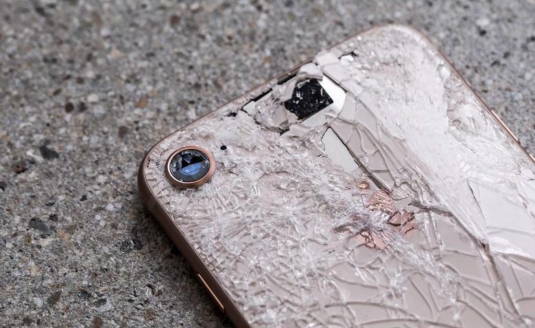 Продажи iPhone рухнули на четверть. В денежном выражении по итогам прошедшего финансового квартала