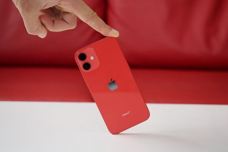 iPhone 12 mini показывает катастрофически низкую автономность в играх. Да и в целом она не блещет
