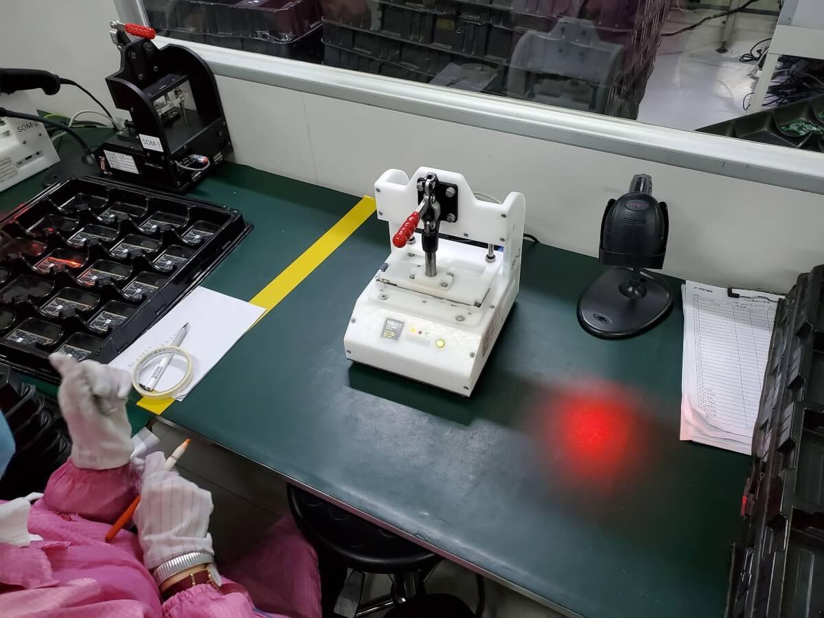 Другой наш стенд для тестирования backplane-плат на боевом дежурстве в Китае