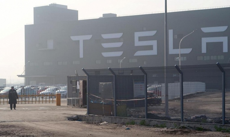 Tesla запускает вторую за последние три месяца продажу новых акций на сумму 5 млрд долларов