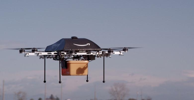 В США коммерческим дронам разрешат летать над людьми и в ночное время