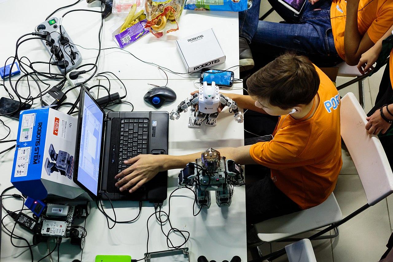 5 игрушек, чтобы ребёнок почувствовал программирование - 1