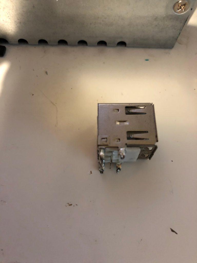 Инженер купил 220 нерабочих плат Raspberry Pi Model B и начал их ремонтировать - 5