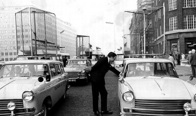 Фургоны-детекторы ТВ всё ещё колесят по улицам Великобритании - 7