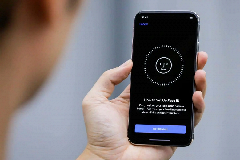 Apple оказалась в центре скандала. Компанию обвиняют в краже Face ID, Smart HDR и других технологий камеры iPhone