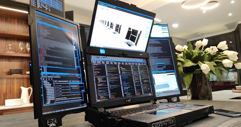 Компания Expanscape обновила конфигурацию «ноутбука» с семью экранами