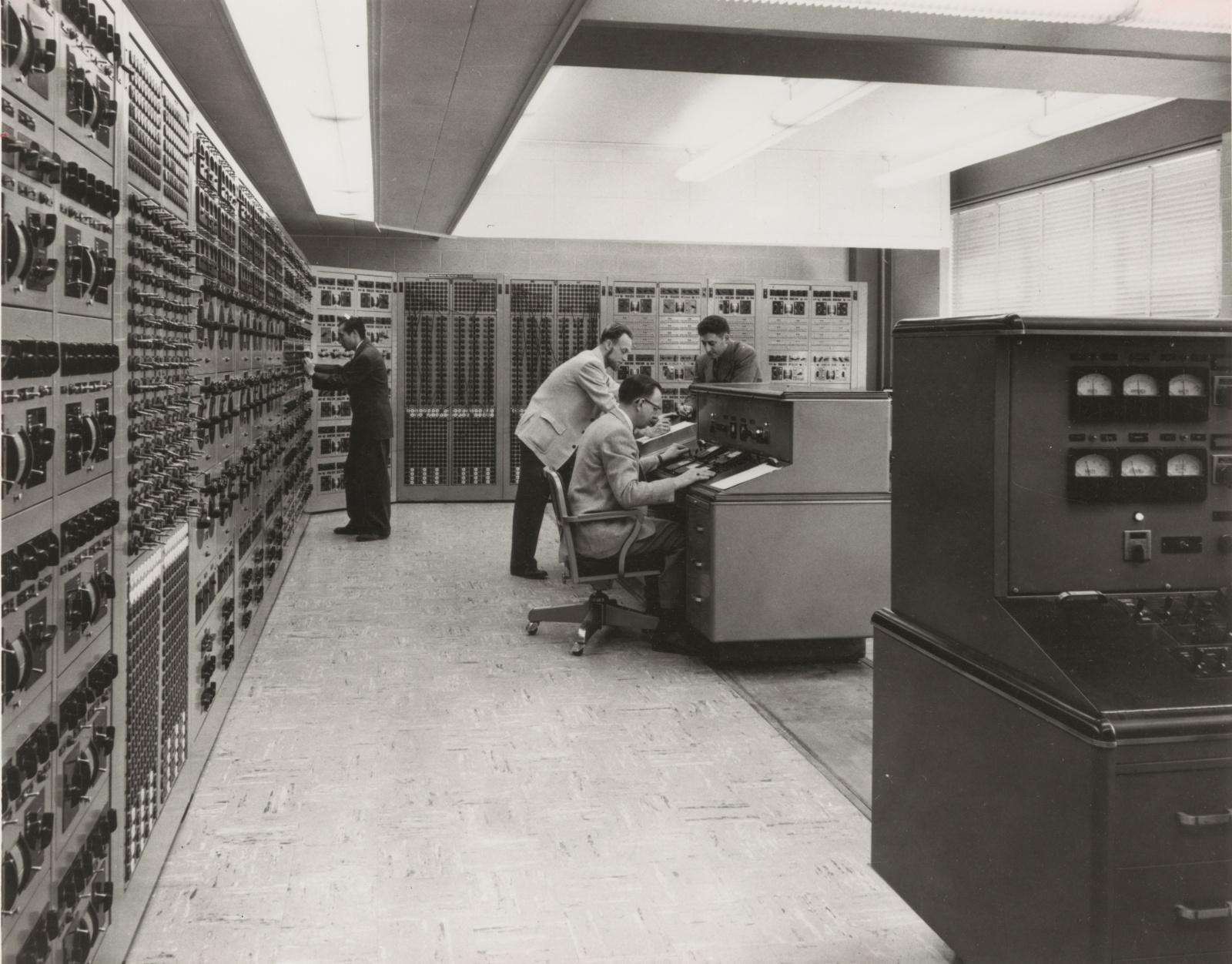 Модификация, восстановление и кончина аналогового компьютера за $3 млн - 2