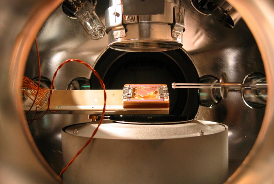 Один из экспериментов, в результате которого появился первый кристалл времени