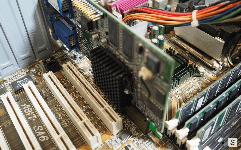 Конец «Золотого Века». История процессоров поколения Intel Pentium III. Часть 1 - 11