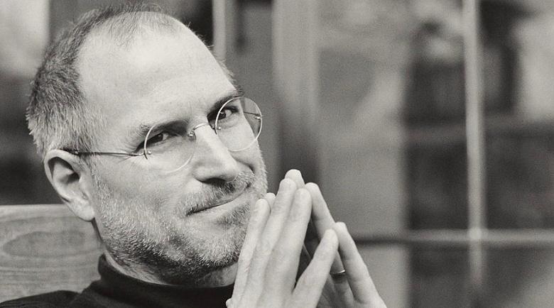 222 400 долларов за лист бумаги: продано рукописное заявление Стива Джобса о приёме на работу