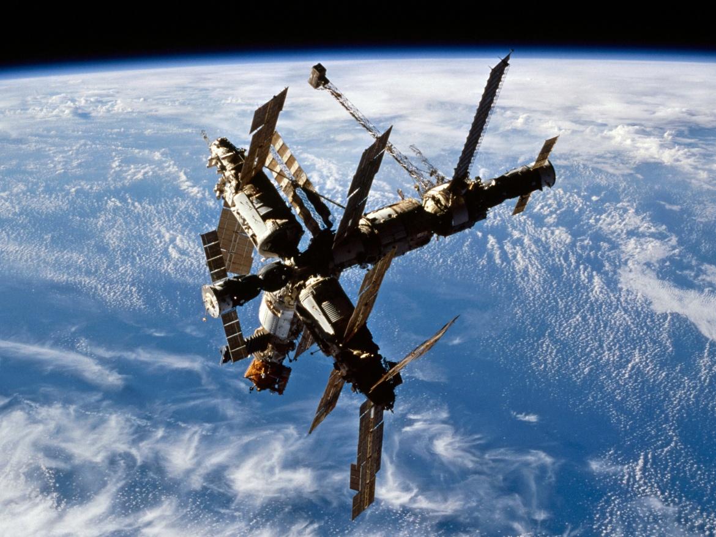 Фотография «Мира», вид с космического корабля «Атлантис» STS-74 - НАСА